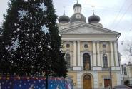 У Владимирского собора