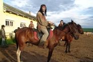 Вождь Женя, хозяин гостеприимной конюшни