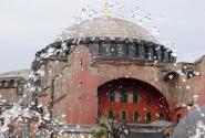 Когда - то это был православный храм... Найдите 10 отличий.