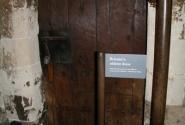 Самая старая дверь в Британии)))