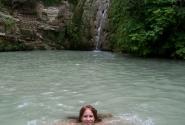 После прыжка - поплавать в прохладных водах