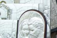 ...серебряные образы святых...