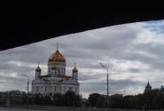 Золотой образ Храма  из-под моста