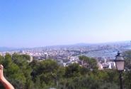 Вид на город и бухту со смотровой площадки замка