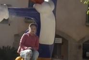 Символ парка - дятел Вуди. Порт Авентура