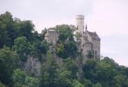 какой-то замок там же