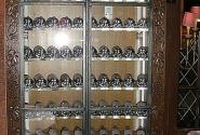 это шкафчик с коллекцией