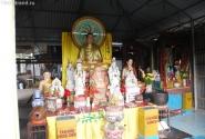 Мелкий храм, встреченный по пути.