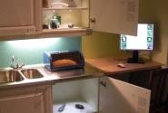А это в музее воспроизведен уголок кухни и кто там может жить. Живность сильно увеличенна в размерах. Короче - кошмар домохозяйки.