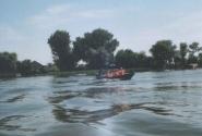 Едем на лодках на Лотосовые поля