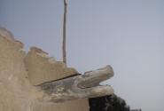 Деревянный водосток в форме крокодильей головы