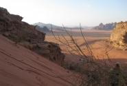 Пустыня Вади Рам. Мы покорили небольшой холмик.
