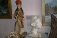 в местном художественном салоне аутентичная скульптура Ниффертити))