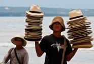 Пляжный продавец шляп - 2
