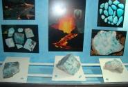 Полудрагоценный камень Ларимар - добывают только в Доминикане