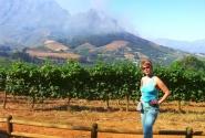 Инга на фоне пожарищ