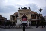 """Театр """"Политеама"""" им.Гарибальди."""