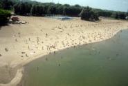 Городской пляж, вид с моста