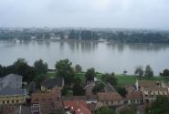 Вид на Словакию через Дунай.