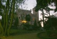 Замок вечером.