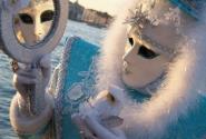 Заглянем в зеркало венецианского карнавала?