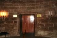 Двери лифта в Орлином гнезде