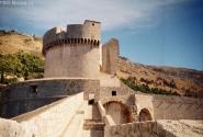 Вид на главную башню крепостной стены