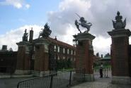 Хэмптон Корт (Главные ворота)