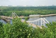 Настоящий бруклинский мост прямо в Киеве. Перешел - и уже на пляже