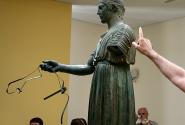 Статуя возничего, музей Дельф