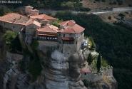 Монастырь Святого Варлаама. Схимик Варлаам обитал на этой скале до конца дней своих в полном одиночестве.