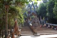 Вход в Ват Пном Кулен