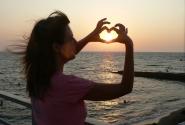 любовь в руках)))