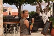 а Это Мама Суслика, которая привязана к фотоаппарату, как курильщик к своей трубке...