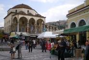 Монастираки, площадь и станция метро