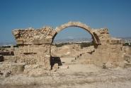 Руины замка Сорока Колонн
