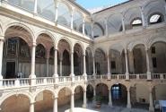 Внутренний двор Норманнского дворца