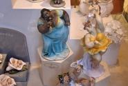 Известные сувениры: магниты, футболки, кружки, а во Флоренции продаются толстушки