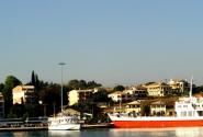 20 В порту Керкиры