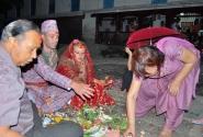 А на землице-то лучше...(непальская свадьба в индуистском стиле)