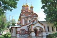 Городские церкви становятся как игрушки