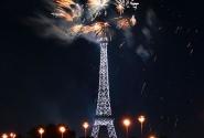 Эйфелева башня, Новогодний салют, декабрь-январь 2010
