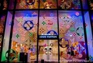 Магазин Люи Вюиттон, Елисейские поля, декабрь-январь 2010