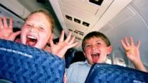 Британские туристы высказались за зоны без детей в самолетах