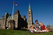 Канада приступила к выдаче десятилетних виз