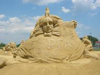 Фестиваль песчаной скульптуры начался в Бургасе