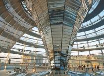 Вслед за Биг-Беном, для туристов закрылся и купол Рейхстага