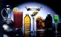 Госдума не будет запрещать пронос спиртного на борт самолетов