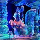 Галерея ледяной скульптуры в Москве привлекает посетителей