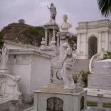 Эквадор предлагает туры по знаменитому кладбищу